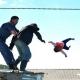 Дојдоа да го иселат семејството, а таткото во очај ја фрли ќерката (1) од покривот