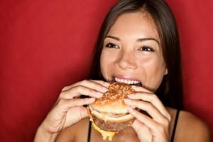 slike-zivot-5-devojka_jede_hamburger_884252587