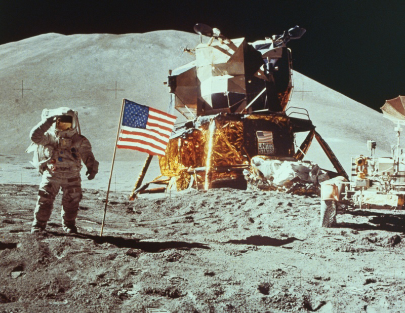 5. Apollo-11-moon-landing-4