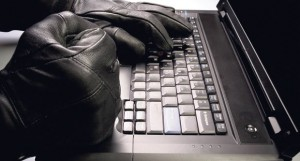 mobilni-operateri-mobilni-telefon-hakeri-prevara-sim-kartica-telekom-telen-1348522632-211988
