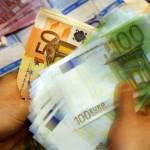 Романец купил креденец, нашол во него 95.000 евра, па го вратил
