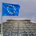 ЕУ потврди дека ги затвора границите 30 дена
