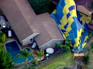 hot_air_balloon_in_backyard_1357607527596_350216_ver1.0_320_240