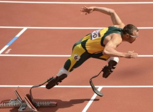 Oscar-Pistorius-continues-historic-Olympic-run-2120H54T-x-large
