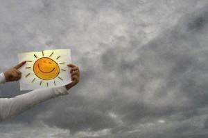 oblaci i sonce nacrtano