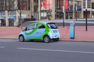 polnac za elektricni avtomobili