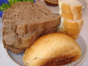 3604-3604-crnomanjasti-crni-hleb