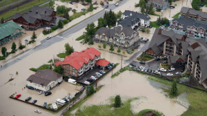 floods-helicopter-view-macintosh-062113_lead_media_image_1