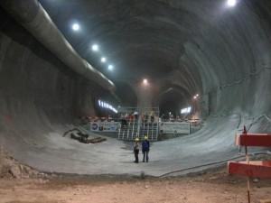 podzemni-grad-lavirint-tunel-500x375