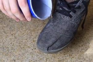 napravite-nepromocive-cipele-foto-youtube-1390580499-433699
