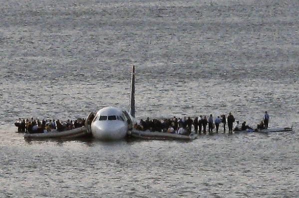 20110811-plane_crash