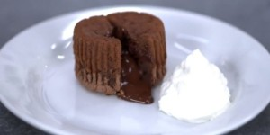 60912490-desert-cokoladni-lava-kolacici-650x325