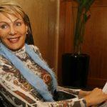 Била сиромашна и сираче – случајно седнала до најбогатиот бизнисмен – сега е милијардер