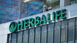 RT_herbalife_jtm_140312_16x9_992