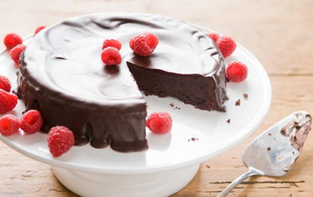 brza-cokoladna-torta-od-samo-tri-sostojki-01