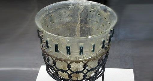 roman-glass-at-civico-museo-archeologico