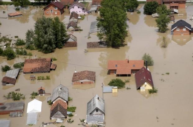 poplave-orasje-foto-reuters-1400500217-500321