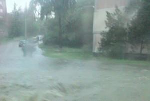 poplave-u-naselju-medakovic-foto-facebook-1400077805-496309