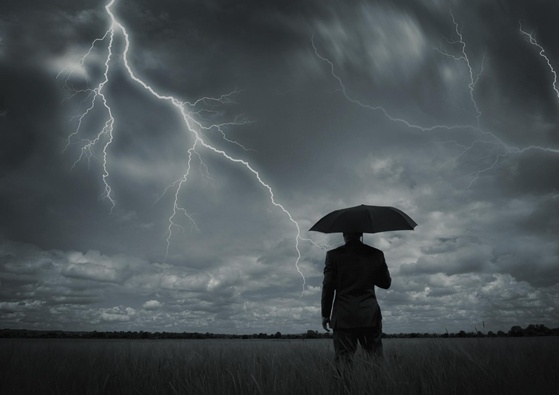 grom-umbrella-man-1