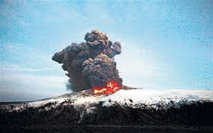 iceland-vulkan-erupcija-02