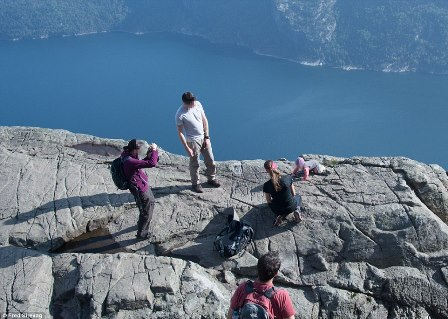 1410875403339_wps_56_Norway_baby_cliff_MUZZED_