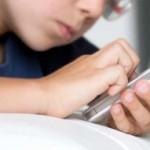 """Белгија: 13-годишно дете се бори за живот поради играта """"Момо Челенџ"""""""