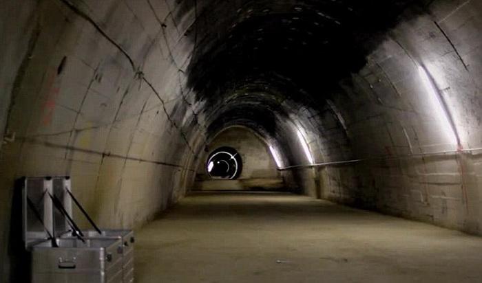 tuneli-hitler-nkiv-01