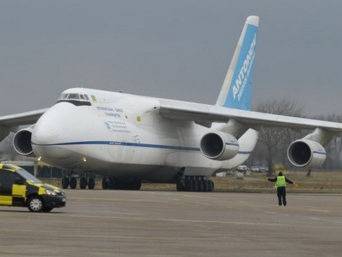 avion-andonov-rus-01