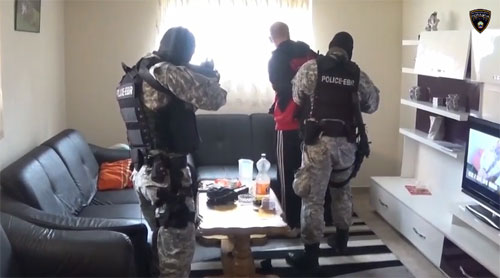 policija apsenje