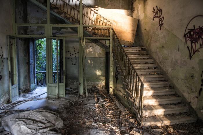 ostrovot-povelja-misteriozna-lokacija-italija-10