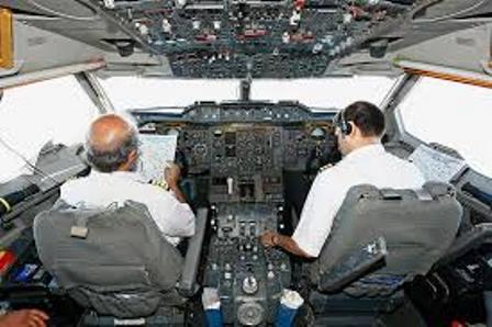 pilot kabina avion