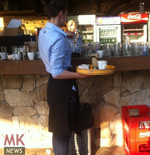 kelner konobar kafic