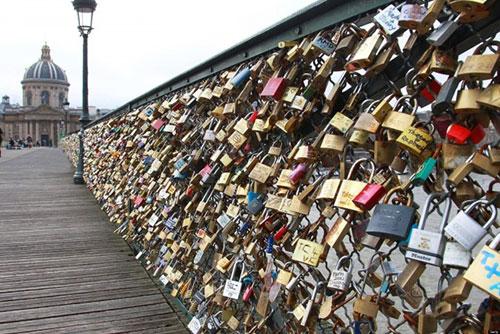 katanci most na ljubov pariz