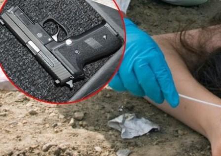 mrtva devojka pistol