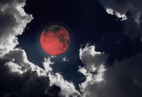 krvava-mesecina
