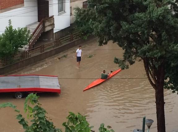 poplava kajak