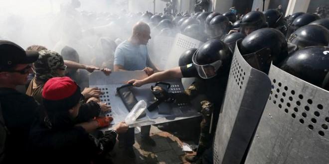 ukraina protest policija