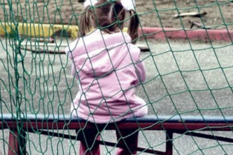 devojce pedofil igraliste