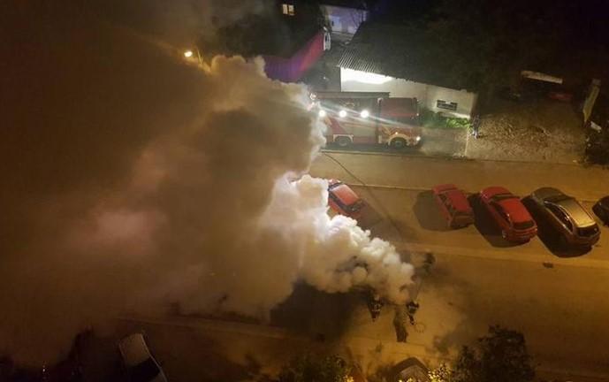 zapalen avtomobil kola pozar3