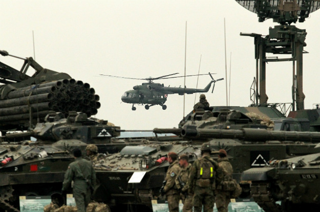 vojska helikopter tenkovi