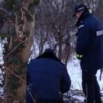 Србија: Маж ја начекал сопругата со љубовникот – го врзал и го искасапил со секира