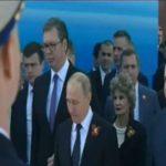 Вучиќ прв до Путин на воената парада во Москва