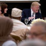 Трамп приреди прва ифтарска вечера: Муслимани среќен Рамазан!