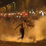 Хаос во Париз: Прославата премина во дивеење (видео)