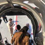Ванила Ајс меѓу заболените патници во авионот што слета во Њујорк