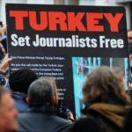 Турција во шок: Доживотен затвор за новинарите