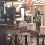 Вооружен маж со гранати сака да разнесе бензинска ако не го види Макрон (ВИДЕО)