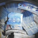 Холандија: Уапсен маж, пронајдени 350.000 евра во машина за перење