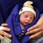 Родено првото бебе по пресадување матка од починат донатор