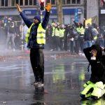 """""""Жолтите елеци"""" ја освојуваат Европа"""